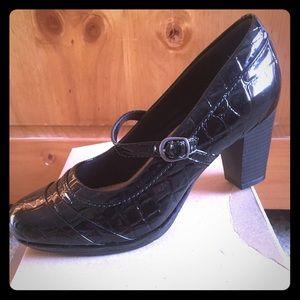 Clarks Brynn Ivy Mary Jane Black Patent Croc Heels